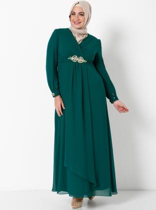 beli-tasli-broslu-uzun-yesil-sifonlu-kapali-bayan-abiye-elbise