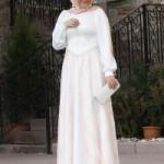 beyaz-dantelli-topuklara-kadar-uzun-kapalilar-icin-elbise-395-TL