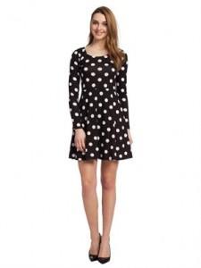 diz-ustu-siyah-beyaz-puanli-uzun-kollu-kadin-elbise