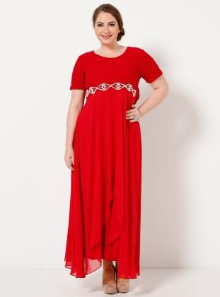 gupur-dantelli-tasli-uzun-kirmizisifon-kapali-bayan-elbise