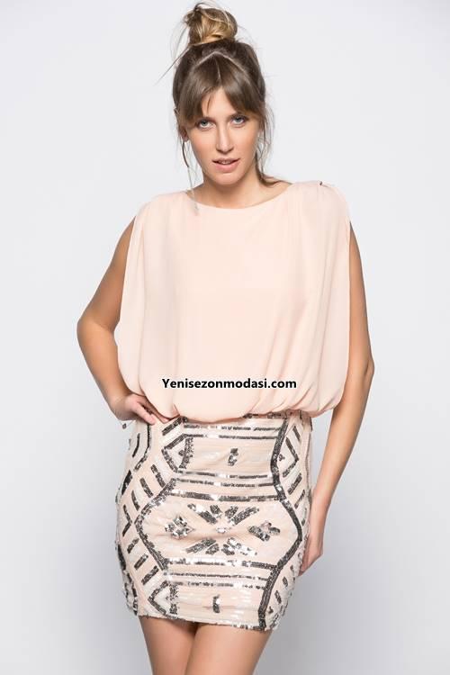 koton-abiye-pudra-tas-detayli-mini-ustu-dokumlu-alti-dar-elbise