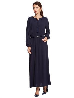 lacivert-kemerli-uzun-kapali-bayan-elbisesi