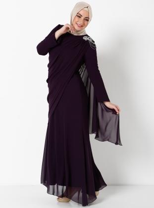 murdum-rengi-kapalilar-icin-uzun-omuzlari-tas-suslu-buyuk-beden-elbise