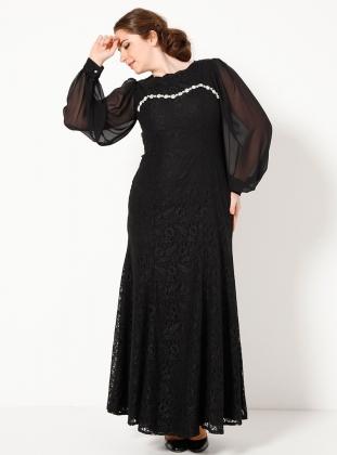 siyah-dantelli-uzun-kollu-tesetturlu-buyuk-beden-abiye-elbise