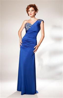 tek-omuzdan-askili-tasli-mavi-gece-elbisesi