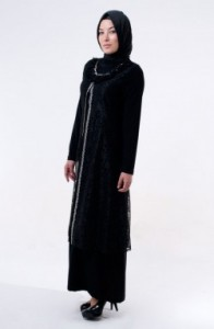 tesetturlu-iki-parca-siyah-abiye-elbiseler-114,80 tl-