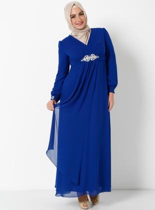 uzun-mavi-tesetturlu-tas-isli-tesetturlu-bayan-elbisesi