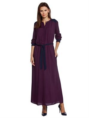 yuvarlak-yaka-belden-buzgulu-kemerli-uzun-elbise